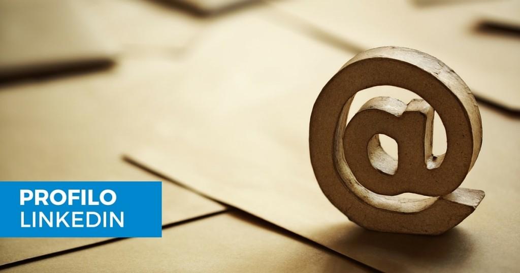 Come aggiungere o rimuovere un indirizzo email al proprio profilo LinkedIn-min